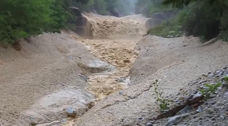 """Powerful Flash Flood Carried Large Boulders in Switzerland"""